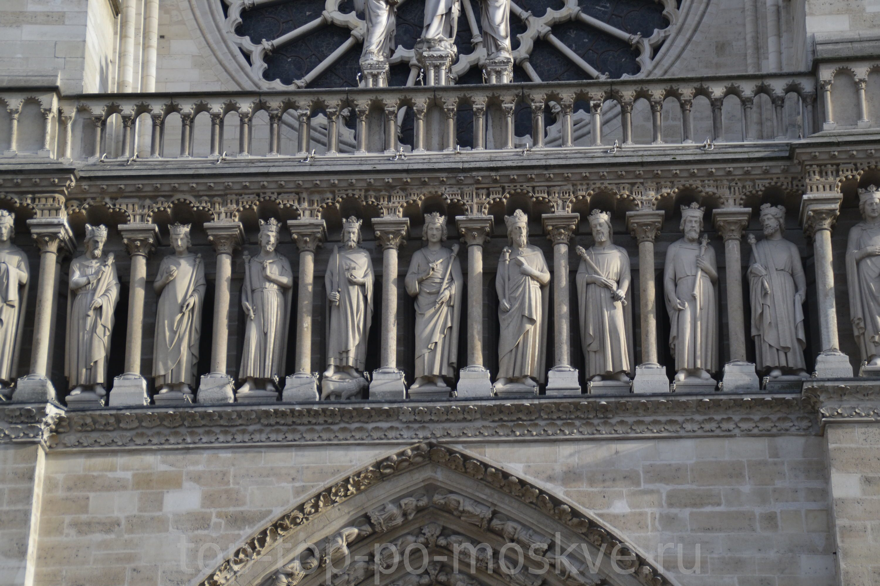an analysis of notre dame de paris During the ancien regime, notre-dame de paris did not host great occasions this function was performed rather by other religious edifices in the capital and surrounding area – the sainte-chapelle was the receptacle of the crown of thorns brought back by saint louis, the cathedral at reims was used for the coronation of the kings, [].